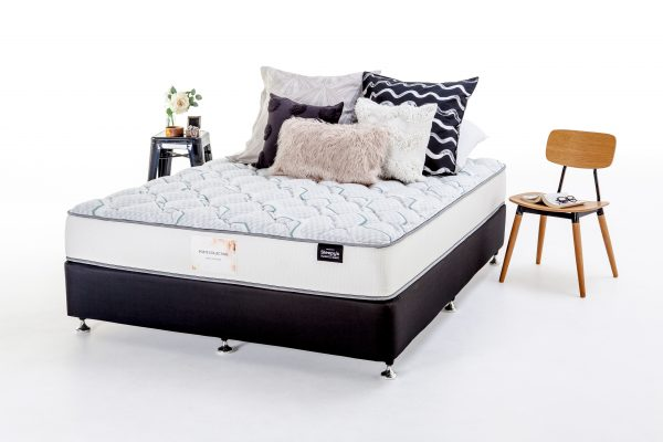 Sleepy's Poets Banjo Contour Mattress